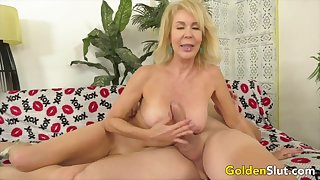 Horny mature light-complexioned slut sucking false with the addition of thick dicks ergo good