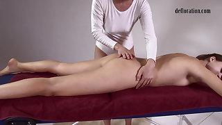 Jankovska gets her hooves and bore massaged