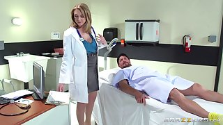 Horn-mad doctor Brooke Wylde surprises her patient respecting a fuck