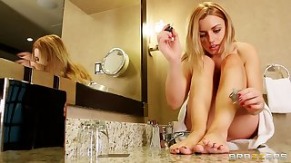Cheating wife Lexi Belle loves having sex with her gifted boss