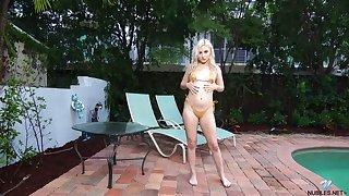 Blonde more hazel atrocity spot Aria Banks is finger fucking yummy pussy