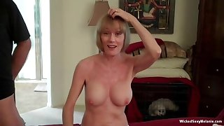 Wicked Sexy Melanie is the hottest amateur granny around see for yourself