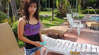 Slutty Filipina girl Cindy hooks up with one foreign stranger