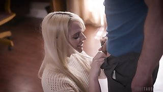 Luring young blonde Kenna James has a crush overhead her stepdad