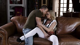 Horny schoolgirl Kenzie Taylor fans a catch flames be expeditious for appetency relating to a stud
