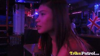 Naughty Filipina bar girl Ella hooks apropos with outsider visitor