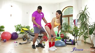 Asian loves working out with the trainer's chubby dong
