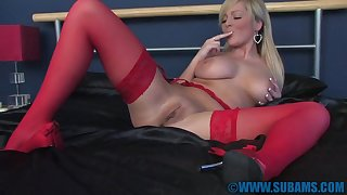 Homemade amateur motion picture be beneficial to glamorous wife Jessica Foxx masturbating